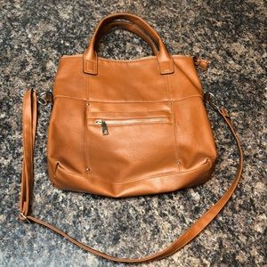 Handbags - Larger size tan bag with arm or shoulder straps